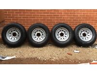 Cooper discoverer st 265/70 R16 4x4 tyres with wheel rims