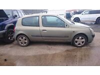 2004 RENAULT CLIO DYNAMIQUE 16V, 1.1 PETROL, BREAKING FOR PARTS ONLY, POSTAGE AVAILABLE NATIONWIDE
