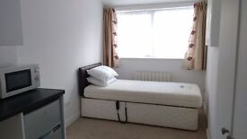 Self Contained Studio. Own Shower Room, kitchenette, appliances, furnished,(single occupancy only).