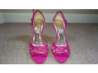 Size 6 high heel shoe