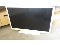 "TOSHIBA 32"" HD LED TV/DVD COMBI (FREEVIEW)"