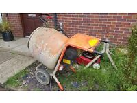 Electric cement mixer belle 150 good working order used for building project