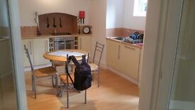 2 bed apartment to rent in Heaton Moor with private patio and off road parking