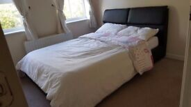 Large Double Room, All Bills Included with Wi-Fi