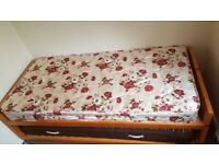 Solid Wood single bed with pull out Trundle guest bed