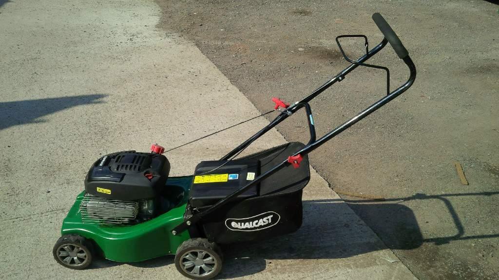 qualcast petrol mower 41 cm cutting width in exeter. Black Bedroom Furniture Sets. Home Design Ideas