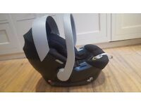 Baby car seat & carrier **GREAT CONDITION & PRICE**
