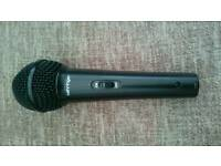 Behringer Ultravoice microphone plus case