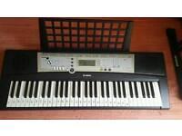 Yamaha PSR E203 electronic organ