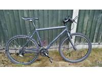 Cannondale f600 mountain bike with shimano parts and rockshox forks