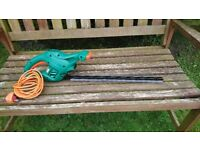 Black and Decker hedge trimmer, 420W, 50 cm blade, very good condition