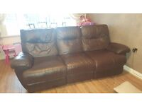 leather settee recliner in brilliant condition ex dfs had 3 years reclines on both ends n pushes bk