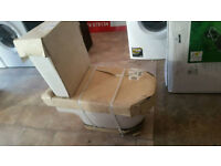 Toilet with cistern and seat new order