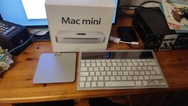 Mac mini 2010 8 gig ram with track pad and solar keyboard