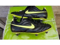 Nike Tempo Studded Football Boots Size 5.5