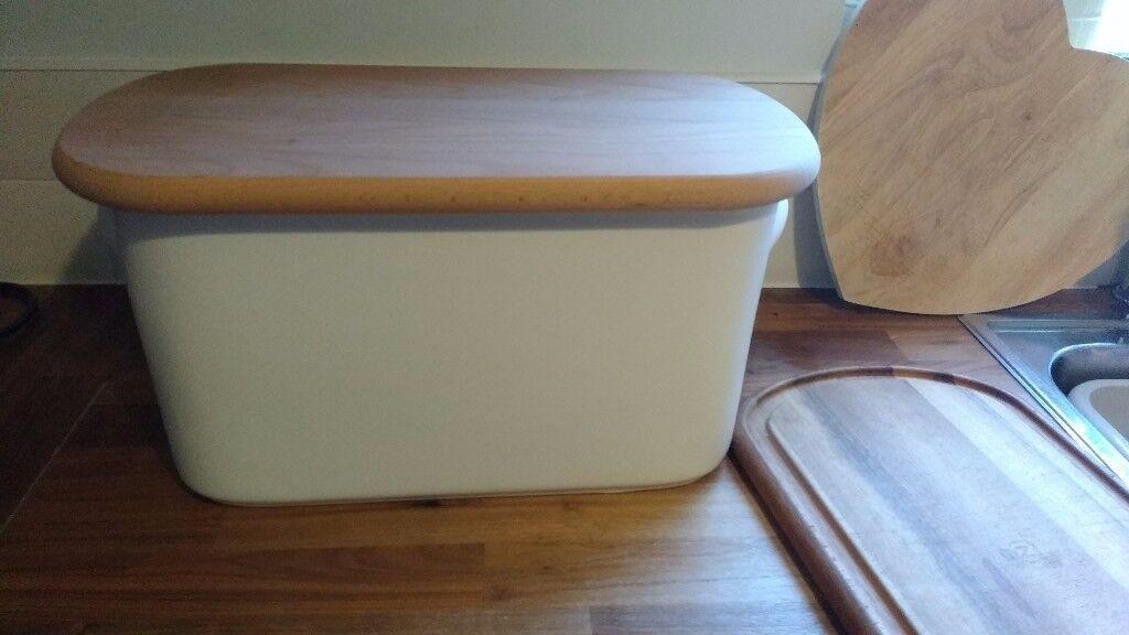 Nigella Lawson cream ceramic bread bin