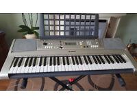 Yamaha PSR-E313 Electronic Keyboard with stand. VGC