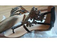 Size 4 flat summer sandals