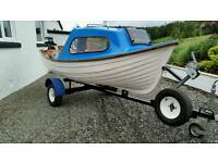 Fishing boat 12 ft trailer yamaha outboard