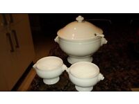 Large soup tureen and 4 soup bowls