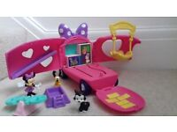 Minnie mouse play bus