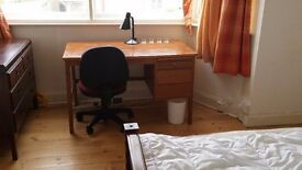 Large room available now in Cambridge CB1 shared house