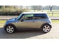 2005 Mini Cooper S with Half Leather, 17 Alloys, Air Con and Electric Panoramic Sun Roof.