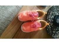 Nike roshe size 3.5 uk