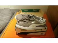 Mens Puma Suede trainers size 10