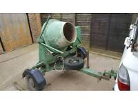 Cement mixer,honda engine,road towable