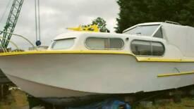 Freeman 26 houseboat