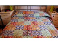 King size bedspread/cover, 104/104 inches multi-coloured