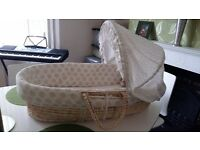 Mosses basket beige and white £6