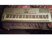 ELECTRIC ORGAN/PIANO