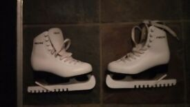 ice skates white size 2 (32) with guards