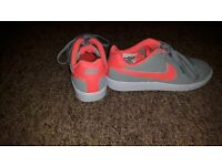 womens nike trainers size 4.