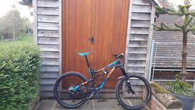Lapierre zezty 527 2015 size Large .Highly modified Enduro bike
