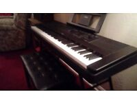 complete yamaha dgx 660,never been used with seperate stagg stand, stool