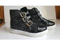 Brand New Girls Boots Black Glitter