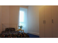 Quiet, fully furnished, comfortable double room to rent in Paisley. Avaialble immediately.