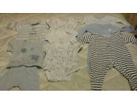 Boys baby clothes from tiny baby to first size. Very good condition.