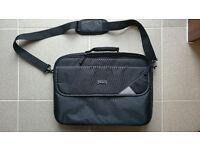 "Targus Laptop carry case, Intellect 16"" Clamshell Case Black Model TBC002. VGC. Collection nr M4 J12"