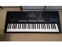 Yamaha PSRE433 keyboard for sale - good condition, little use plus unused stand