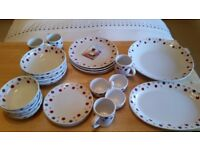 Pampered Chef Dotty Tableware