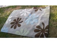 Medium sized Dunelm rug good condition