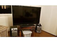42'' Toshiba television with free speakers SOLD