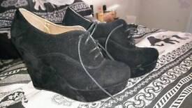 Size 7 Black High Heel Shoes