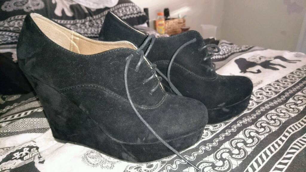 Size 7 Black High Heel Shoes