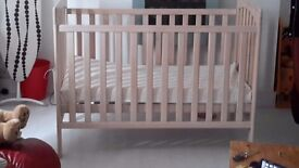 Cot bed use from birth
