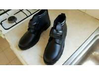 Mens Boots, size8